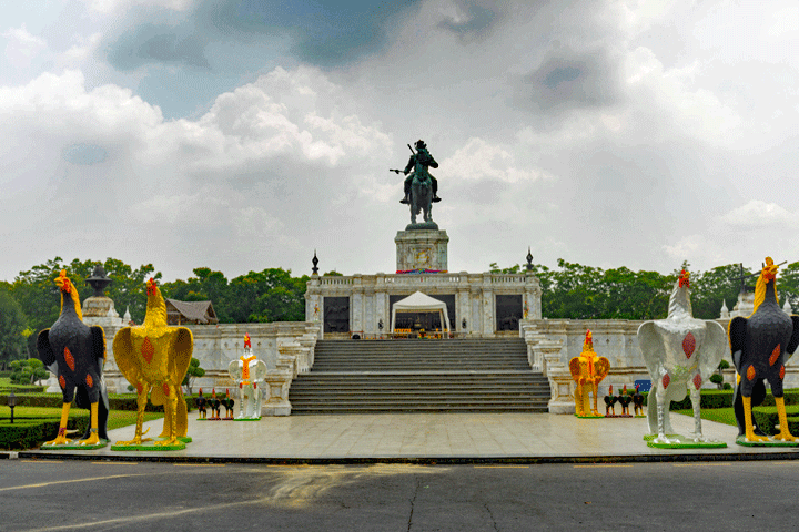Het monument van koning Naresuan in Ayutthaya