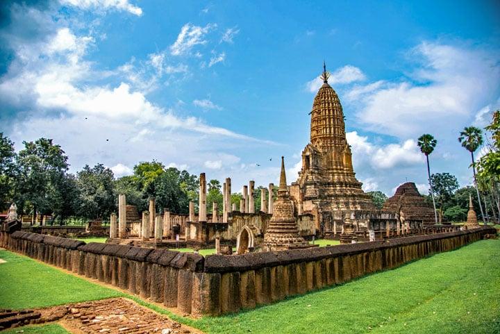 Wat Phra Si Rattana Mahathat - Chalian